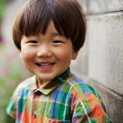Врачи вырастили новые уши для детей из Китая