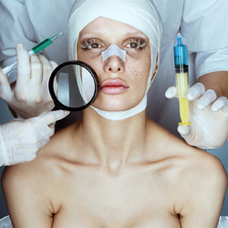 Модель-альбинос Алиса Лисс сделала ринопластику