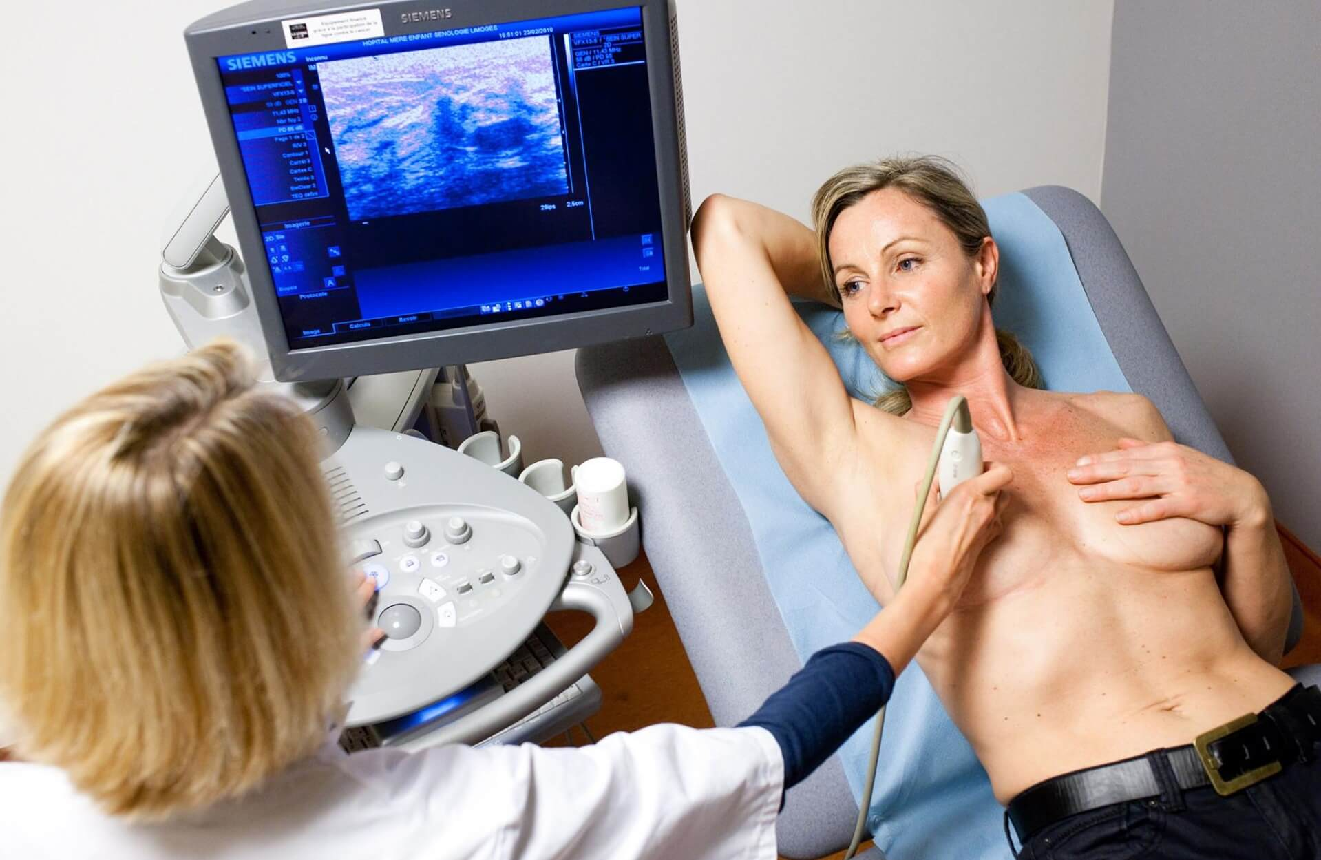 Обследование груди после маммопластики